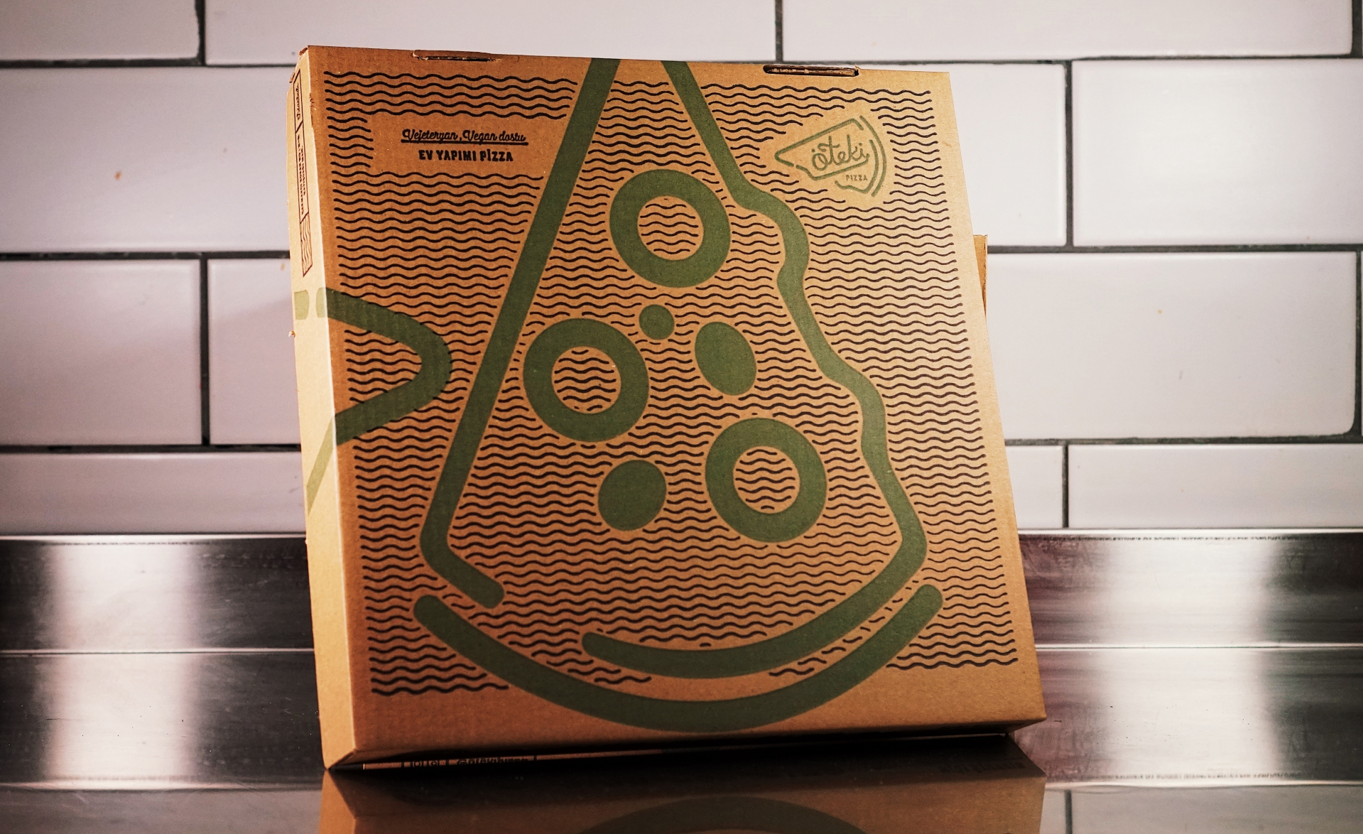 pizza-oteki-zeki-michael-box-design-designer-packaging-food-new-york-colorado-us-london-istanbul-tasarim-freelance-agency-slice.jpg